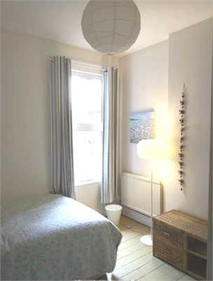 Female wanted for Dble Room in lovely house in North Acton, with 3 others + cat and dog - No smokers