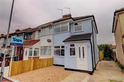 3 Bedroom End Terrace House - Fully Refurbished - Dagenham