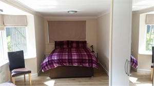 Modern, specious double room - Worthing, West Sussex