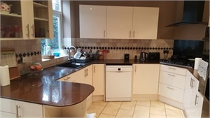 2 double rooms for rent - Enfield