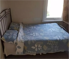 Very neat Double size bedroom - Abbey Wood, Greenwich