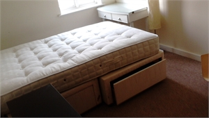 Single in town with sole occ. bathroom fully furnished nr. to train station & all bus & coach routes