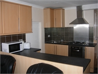Newly refurbished roomy one double bedroom ground level flat to rent - Enfield