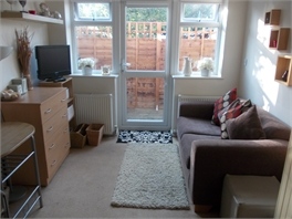 Gorgeous, Comfy Large Room with own Private Decked Ground Floor Balcony - Whitnash, Leamington Spa