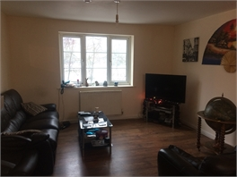 Room to rent in modern townhouse