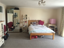 Large Double Bedroom for rent in Wimbledon with parking