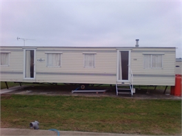 Single room with double bed to rent (1 minute walk to sea front) - Clacton-on-Sea, Essex