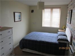 Double room, private bathroom - Swindon, Wiltshire