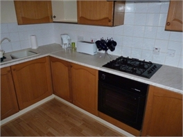 Ground floor large 2 Bedroom apartment overlooking quiet valley - Sholing, Hampshire