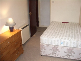A PETITE ONE BEDROOM FLAT NEAR TORQUAY TOWN CENTRE FOR RENT - DEVON