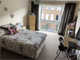 Large double bedroom short-term - Heaton