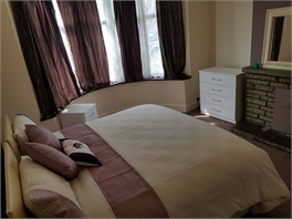 ***Stunning double bedroom to let***